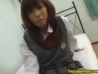 خجولة تلميذة الآسيوية سخيف معلمها وسيم لأنها تحب ديك الثابت أفضل من أي شيء آخر
