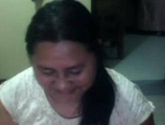 فتاة أورفين عجوز تحصل على استكشاف الوجه من قبل الخبير