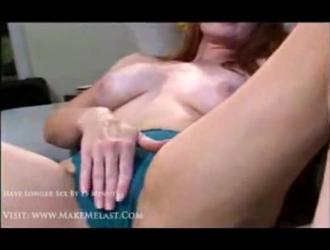 قرنية هوتي شقراء مارس الجنس في المطبخ