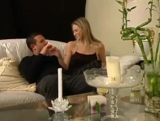 زوجات أنيق في الثلاثي المحبة نائب الرئيس